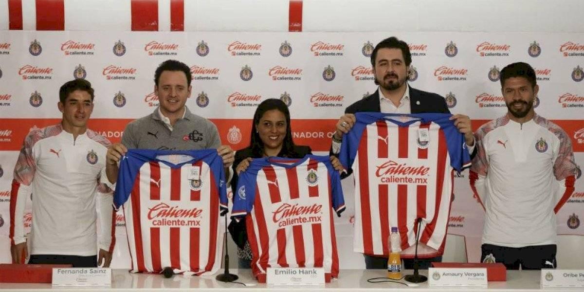 Caliente.mx concreta alianza con las Chivas de Guadalajara