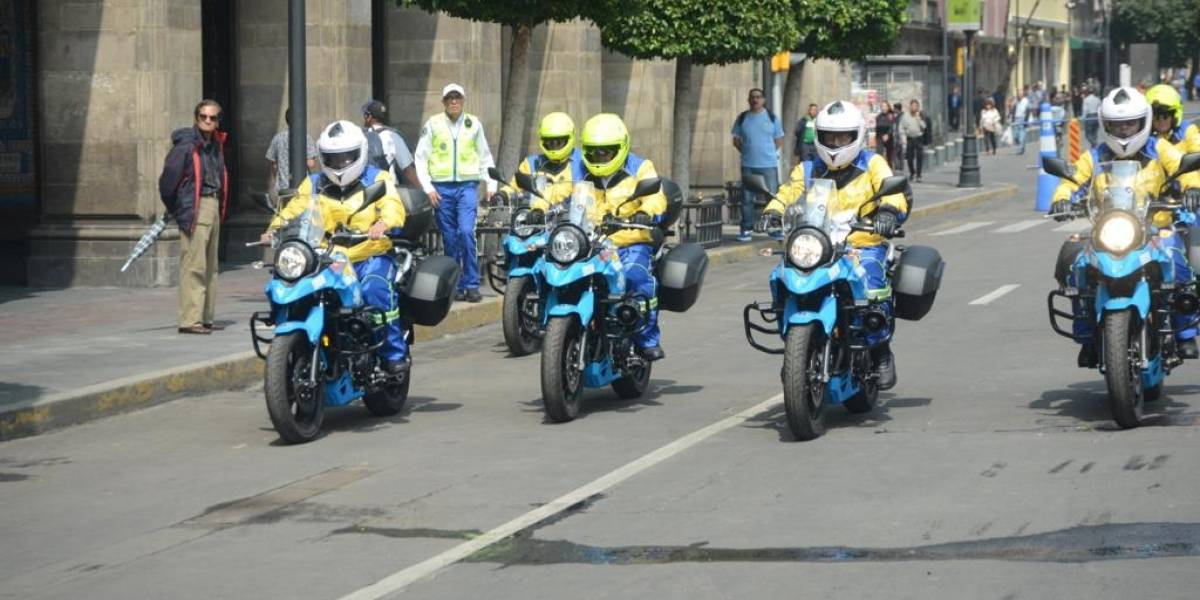 Ponen en marcha 40 moto-ambulancias en la CDMX