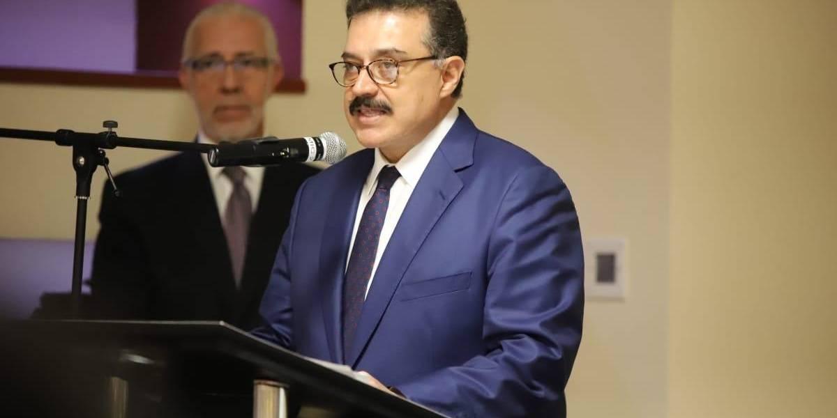 Carlos Lomelí cuenta con siete investigaciones en su contra