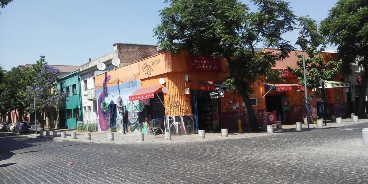 Estética y prácticas barriales: así se revitaliza el centro de Santiago gracias al comercio migrante