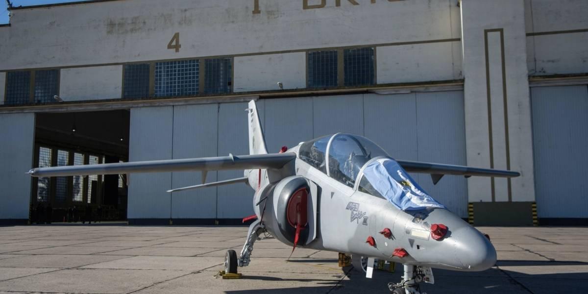 Argentina exige cumplir con la compra de aviones militares