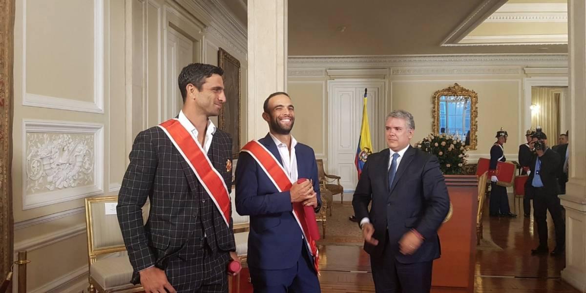 Insultan a Iván Duque por homenajear a Robert Farah y Juan Sebastián Cabal