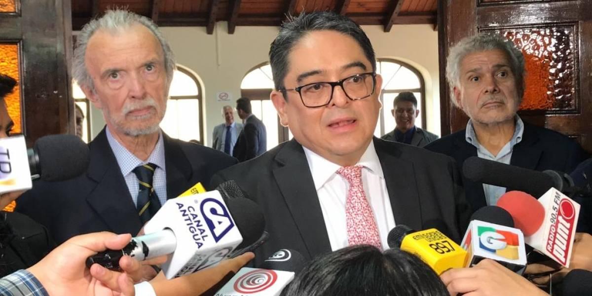 PDH y excanciller se pronuncian por amparo que suspende posible acuerdo migratorio