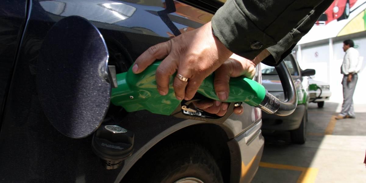 Presume AMLO siete meses de gobierno sin 'gasolinazos'
