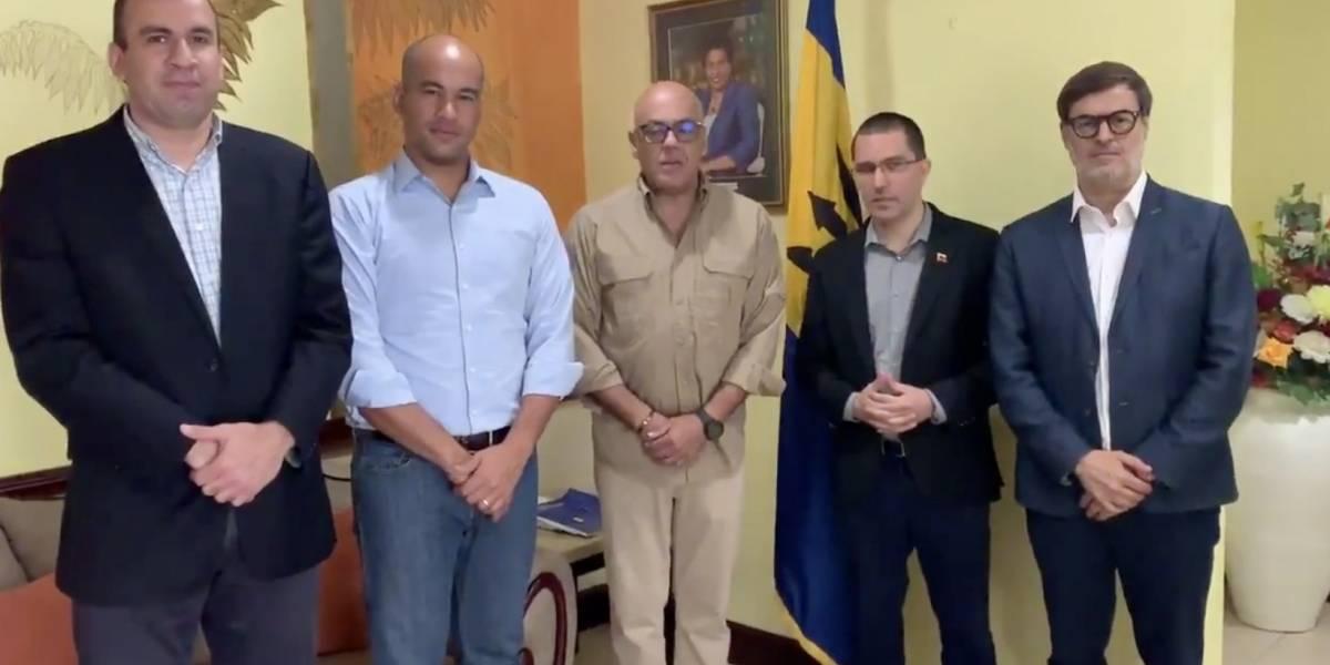Gobierno y oposición de Venezuela llegan a Barbados para continuar diálogo