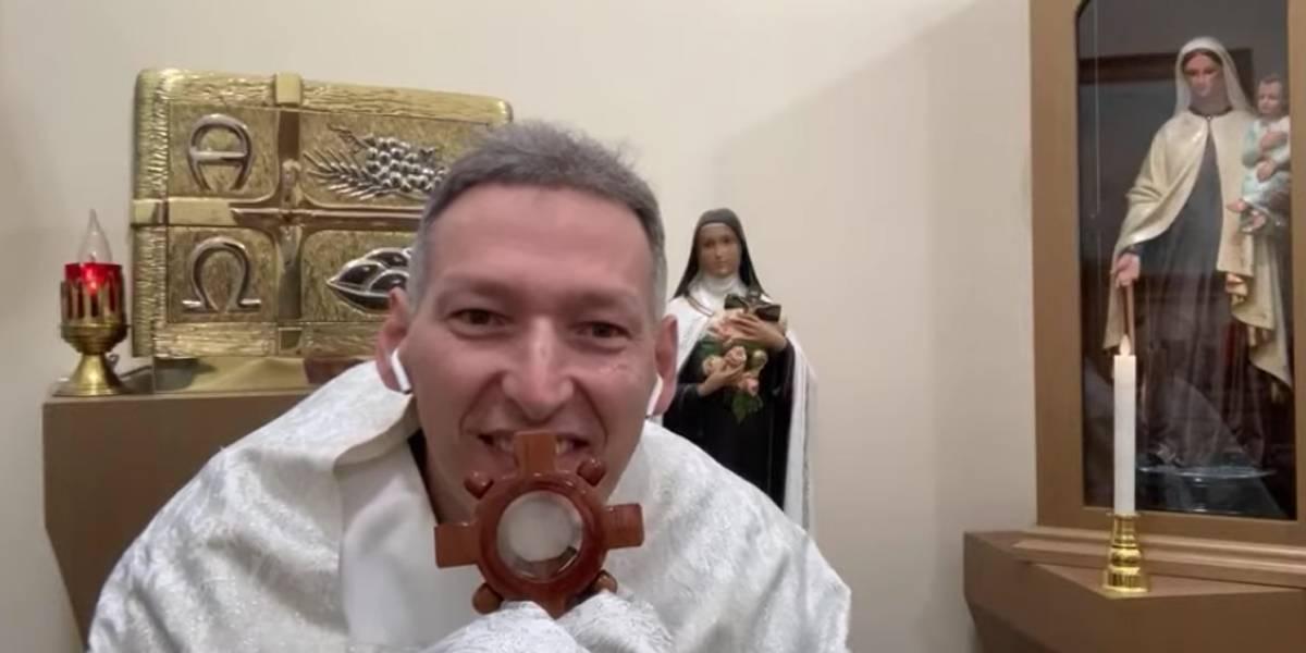 Após empurrão, padre Marcelo Rossi diz ter feito BO diferente: 'Bíblia e oração'