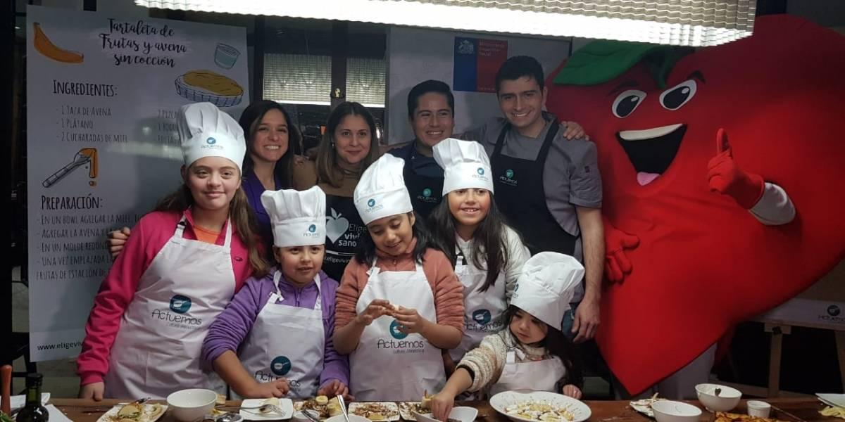 ¡Ojo con los niños en vacaciones! Especialistas hacen llamado a cuidar su alimentación