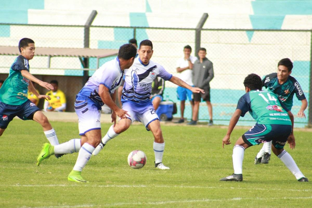 Facebook: Sport Chavelines Juniors