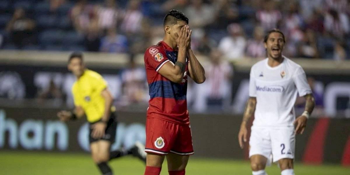Alan Pulido falla penal y Chivas cae ante la Fiorentina