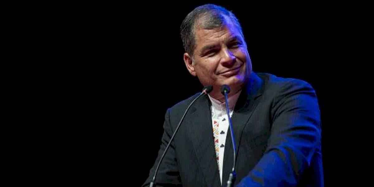"""Correa dice que """"no hay golpistas"""" y pide elecciones anticipadas"""