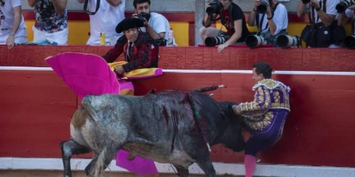 VIDEO: Toro de Miura embiste a matador y le rompe las costillas