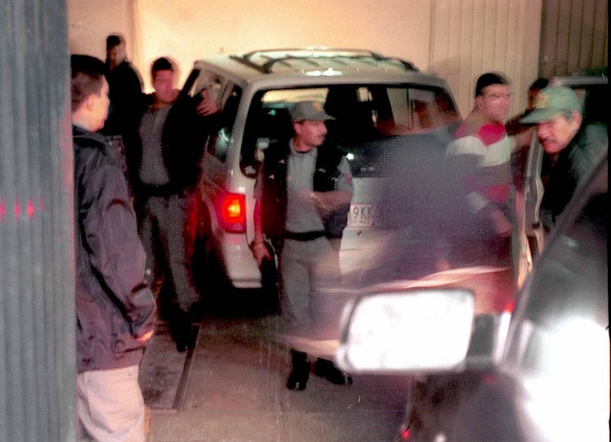 """Llegada a la Ciudad de México de los custodios implicados en la fuga del penal de Puente Grande de Joaquín """"El Chapo"""" Guzman, en Jalisco"""