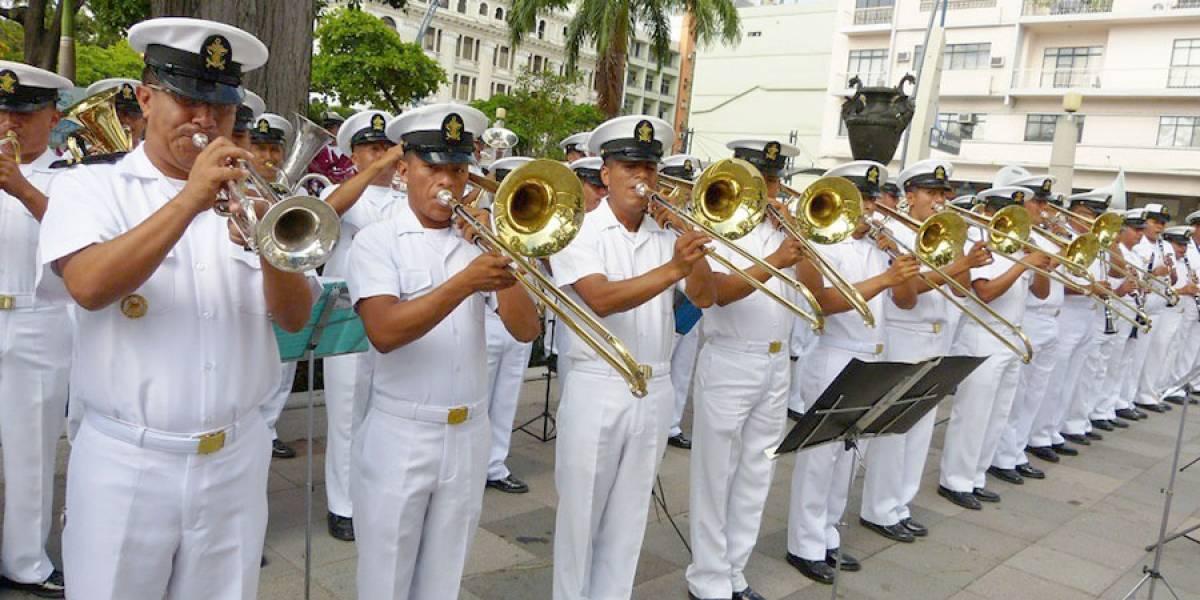 """Show artístico """"La Armada canta a Guayaquil"""""""