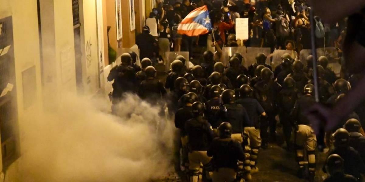 Lanzan gases lacrimógenos durante manifestación en Viejo San Juan