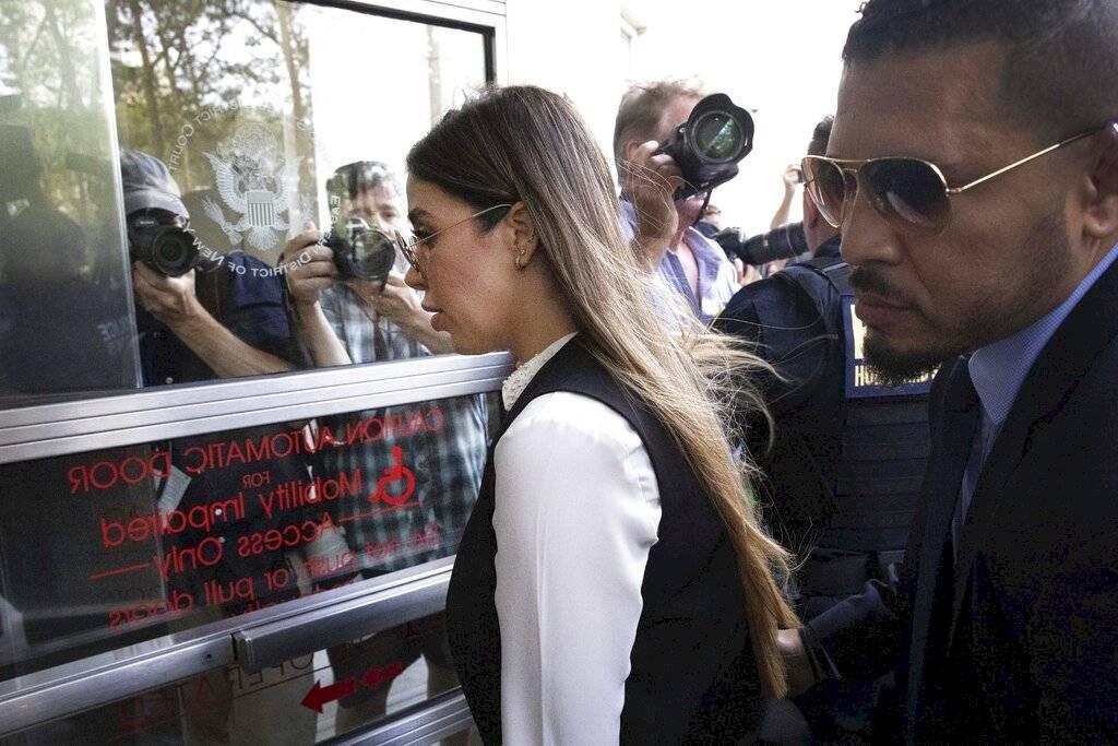 Llegada de Emma Coronel, esposa del Chapo Guzmán, a la Corte de Brooklyn en Nueva York Foto: AP
