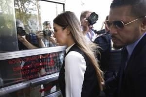 Llegada de Emma Coronel, esposa del Chapo Guzmán, a la Corte de Brooklyn en Nueva York