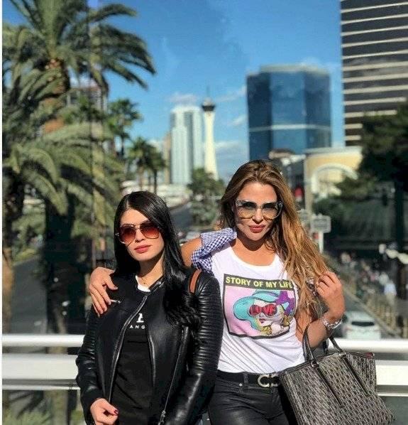 Aura María y su hija
