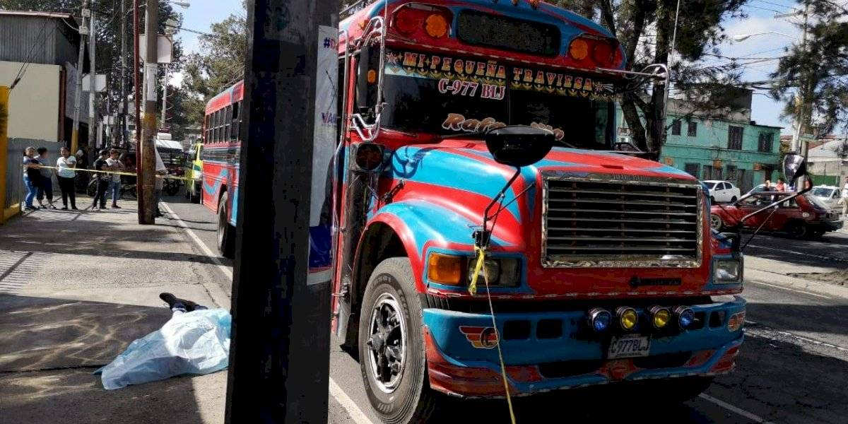 Ayudante de bus muere por ataque armado en zona 7