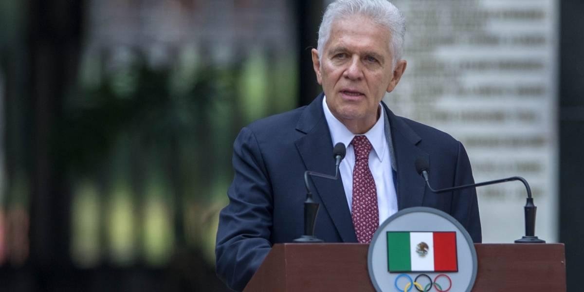 México desfiló en la inauguración con pants por falta de dinero