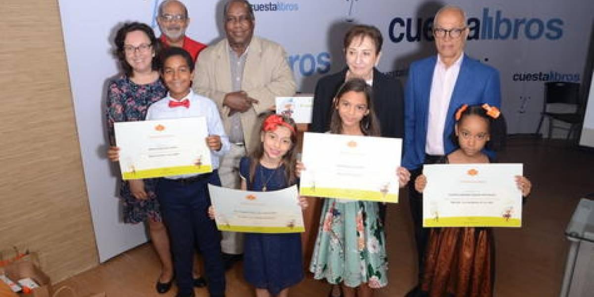 """Casa Duarte premia a ganadores del """"Concurso de cuentos infantiles 2019"""""""