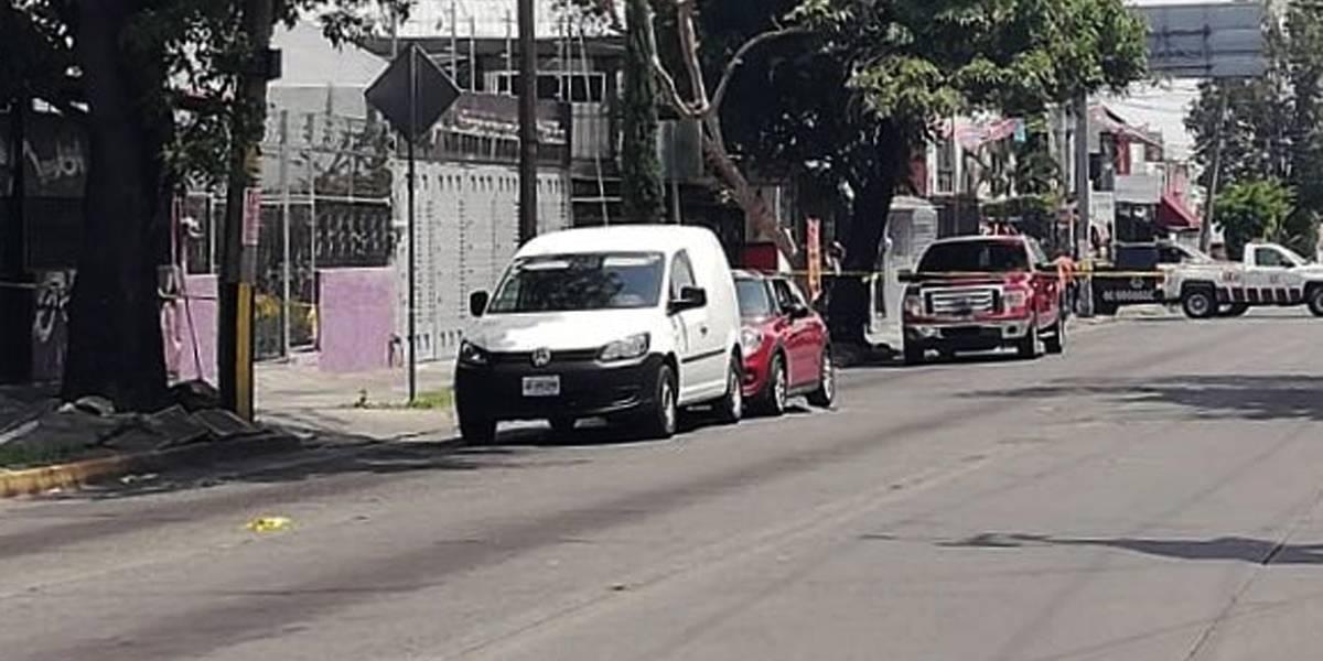 Urólogo del IMSS es asesinado en calles de Guadalajara