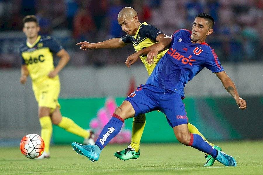Osvaldo González tendrá su tercer ciclo en la U. Procede del Toluca / Foto: Photosport
