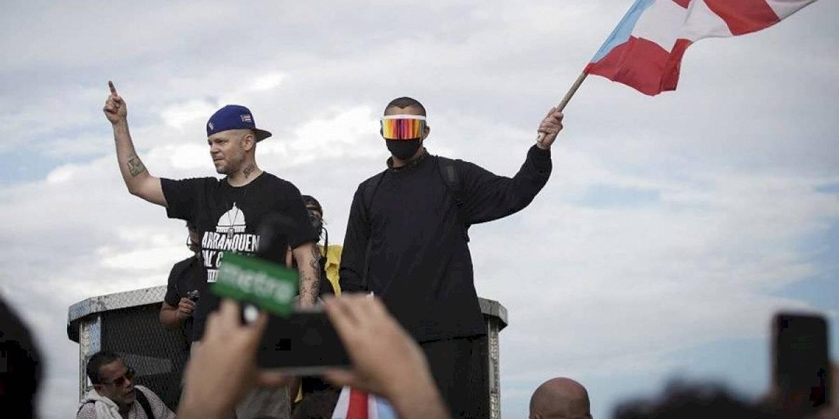 """""""Afilando los cuchillos"""": la canción que une a Residente y Bad Bunny en contra del gobernador de Puerto Rico"""