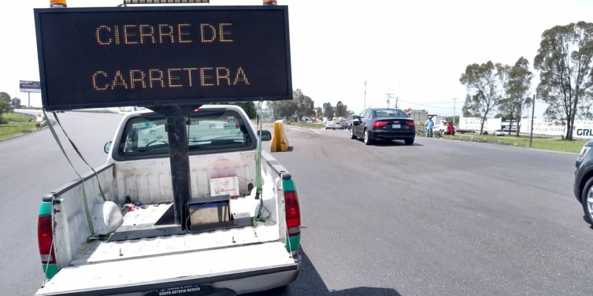 #TómaloEnCuenta Campesinos bloquean la México-Pachuca