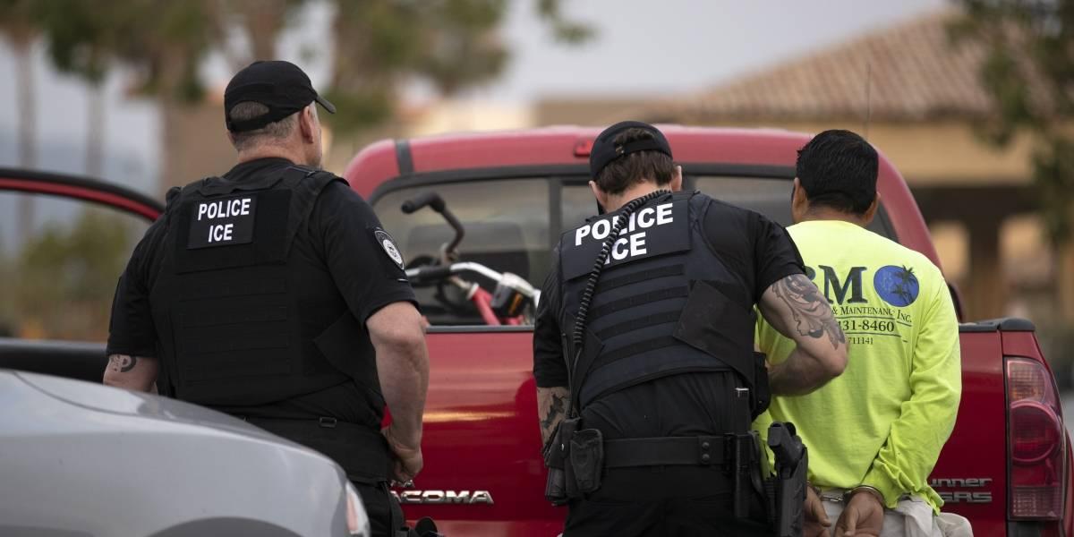 10 detenidos durante una sentada ante la sede del ICE en DC