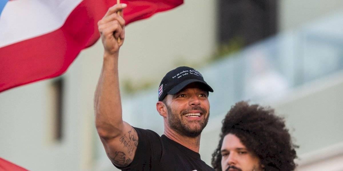 Ricky Martin encabeza manifestaciones en contra del gobernador que se burló de su homosexualidad