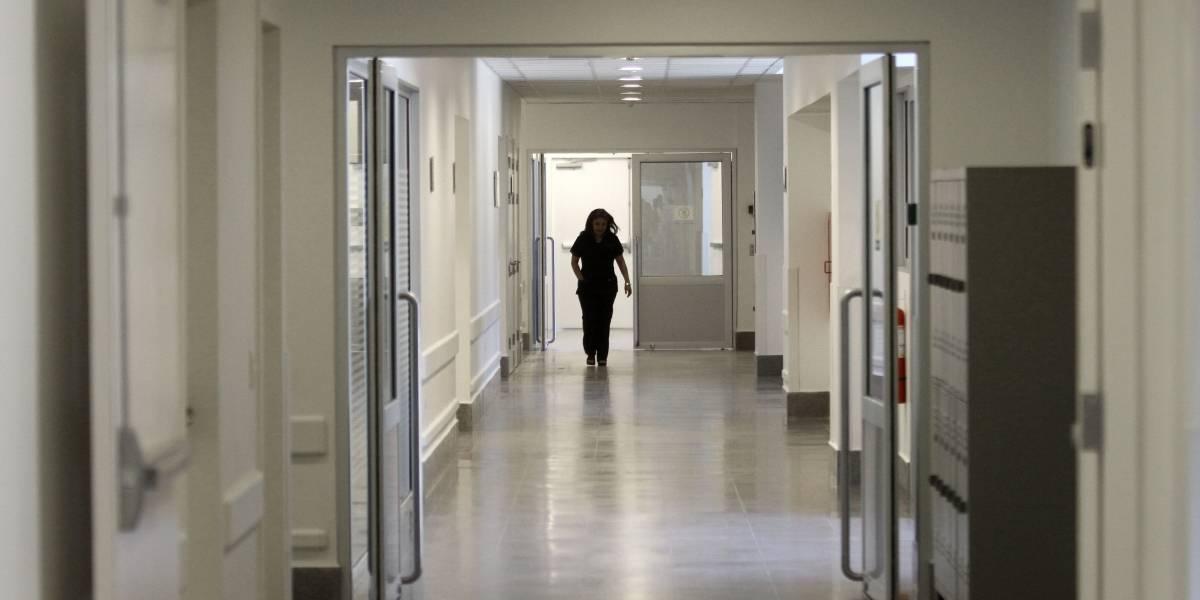 Bebé recién nacido fue abandonado en el Hospital El Carmen de Maipú: era el quinto embarazo de su madre
