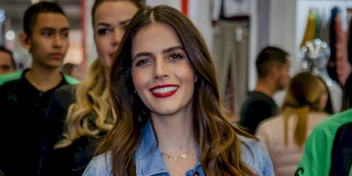 Claudia Álvarez desfila a sus cuatro meses de embarazo