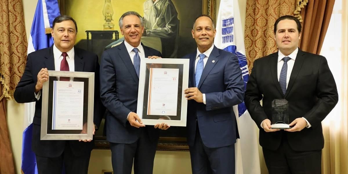 OPTIC entrega más de 500 certificaciones a instituciones por cumplimiento de normas