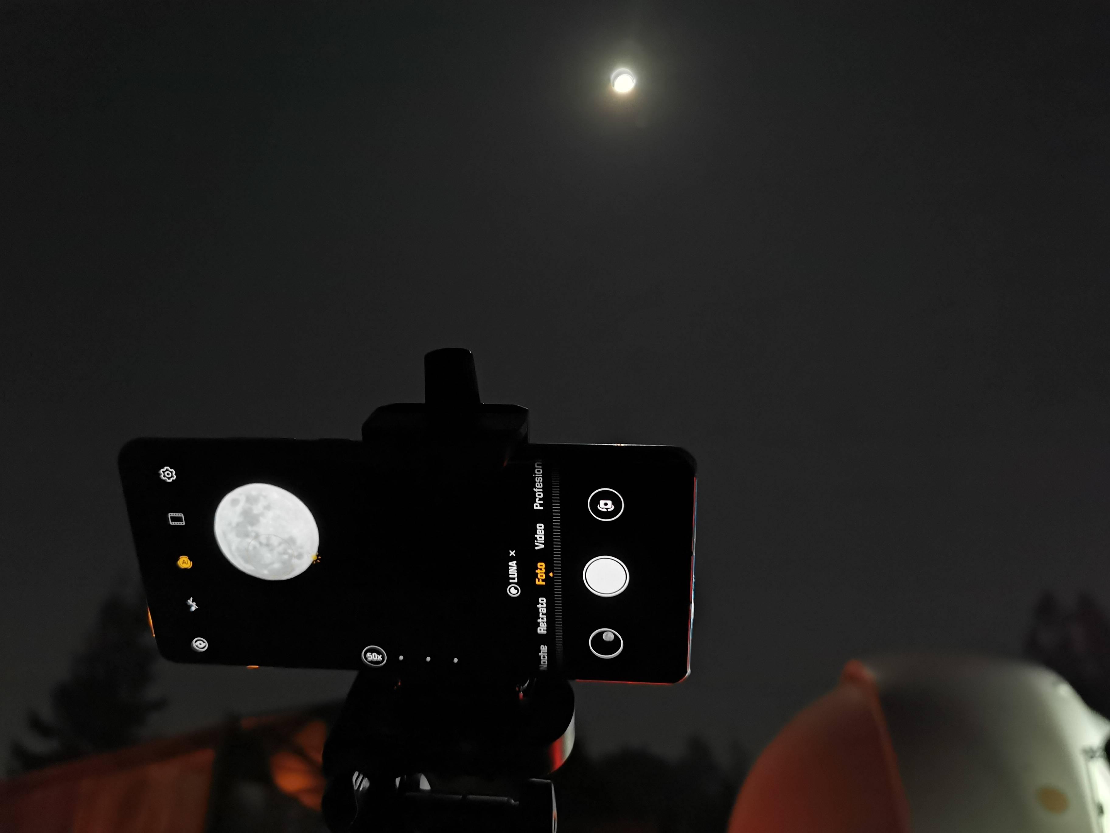 """José Maza nos contó cómo vivió la llegada del hombre a la Luna: """"La emoción la tengo pegada a la piel"""""""