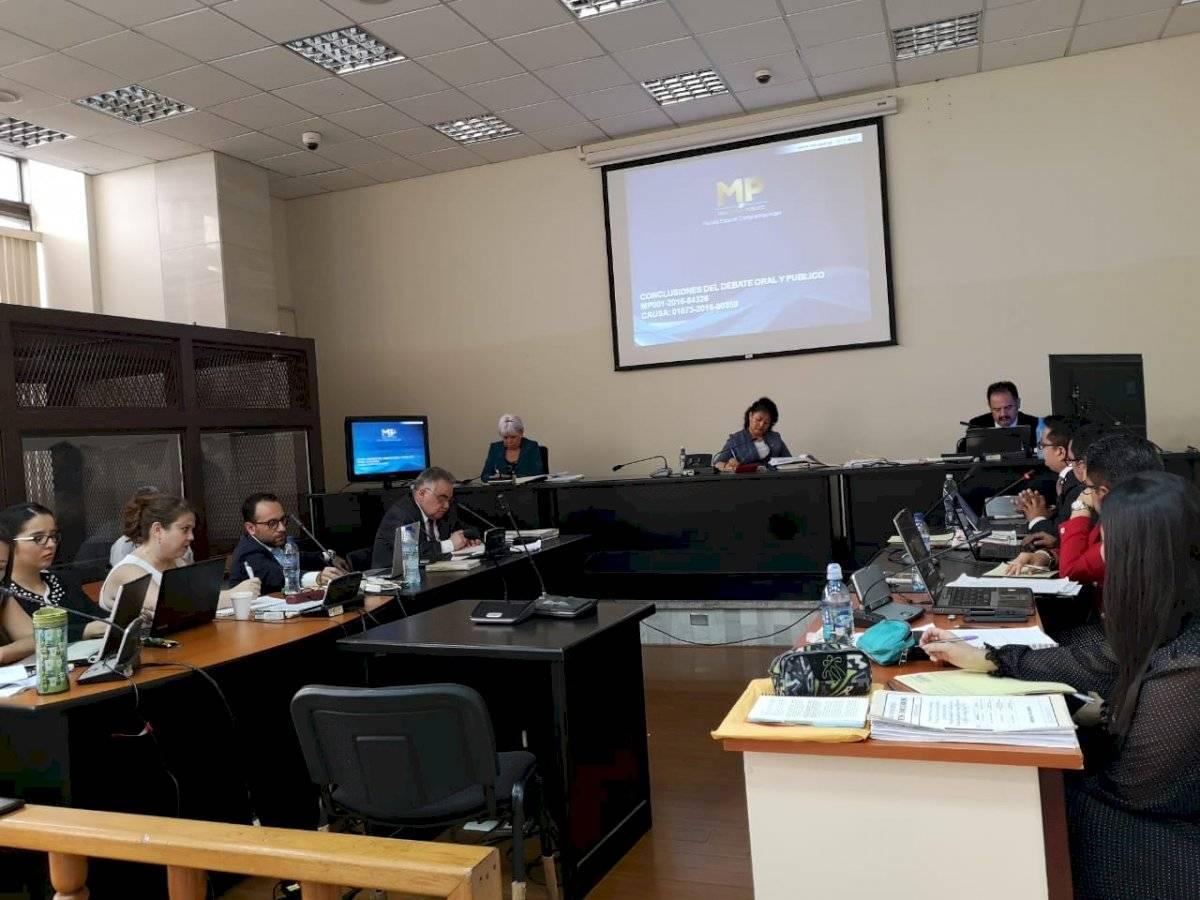 MP pide penas contra tres acusados en caso Odebrecht