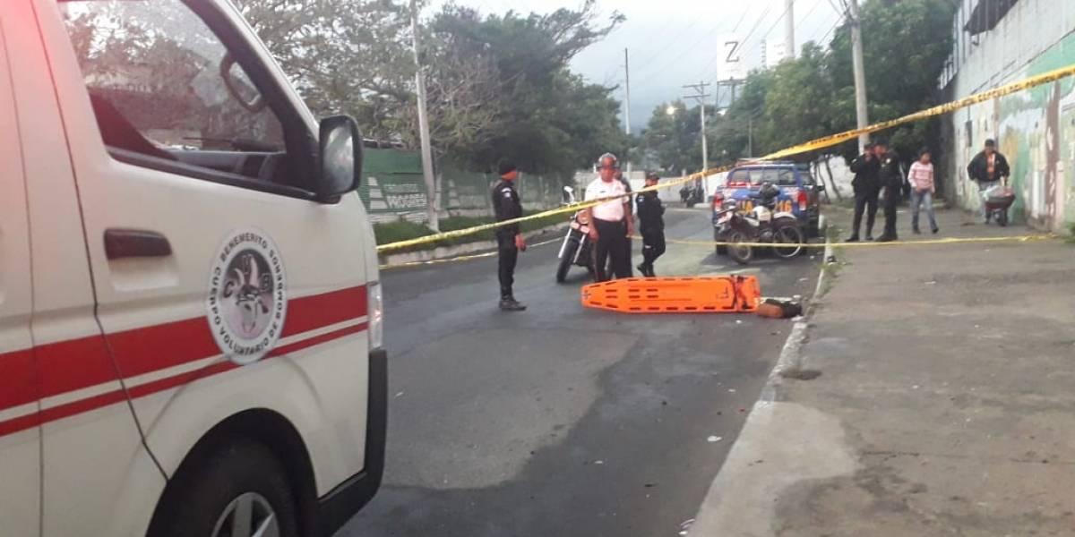 Reportan un vehículo volcado y una persona atropellada en diferentes puntos