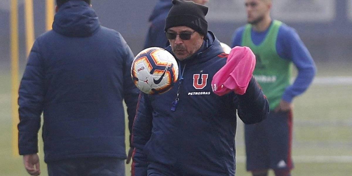 Alfredo Arias no escucha y sigue en la U: Pese a las críticas va a repetir formación ante Temuco