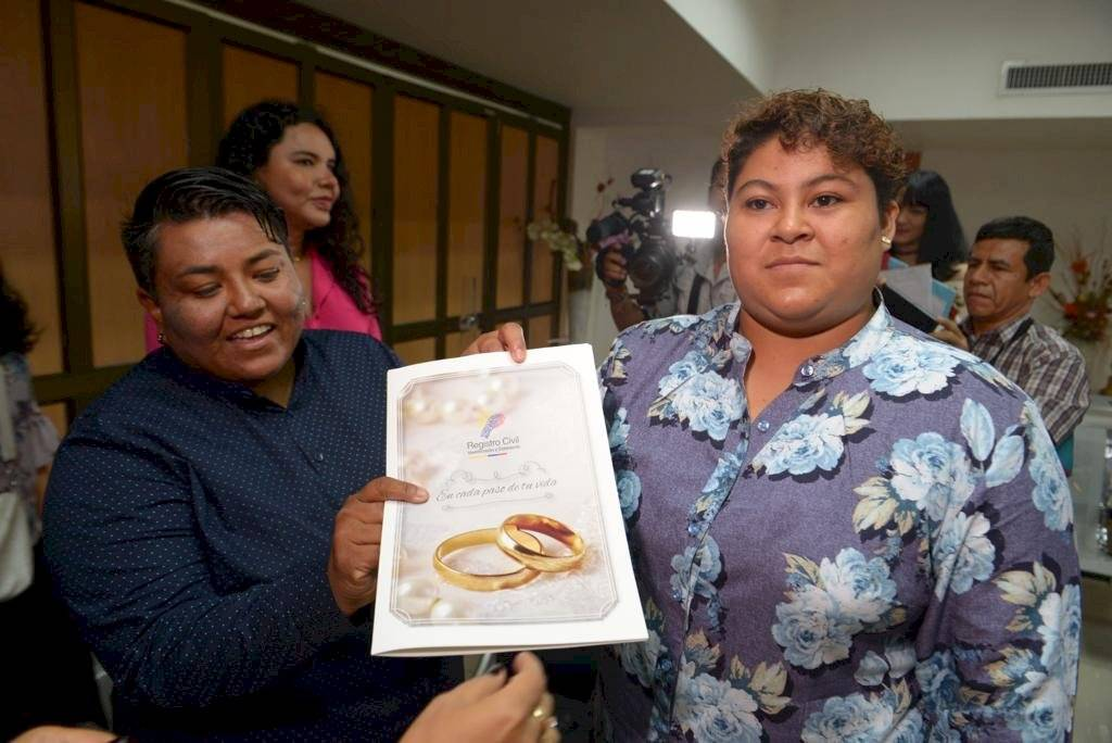 Matrimonio igualitario: Primera pareja se casa en Guayaquil