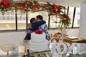 Celebración en Guayaquil del primer matrimonio de parejas del mismo sexo.