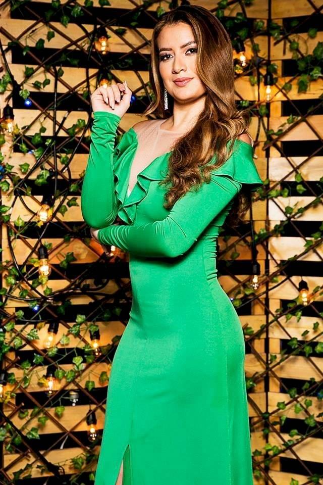 Ariana Abad