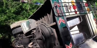 bus cae a barranco en Suchitepéquez
