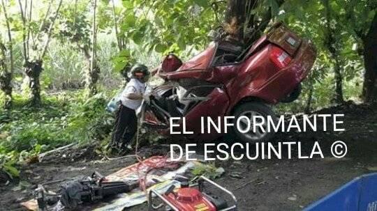 carro chocado en Santa Lucía Cotzumalguapa