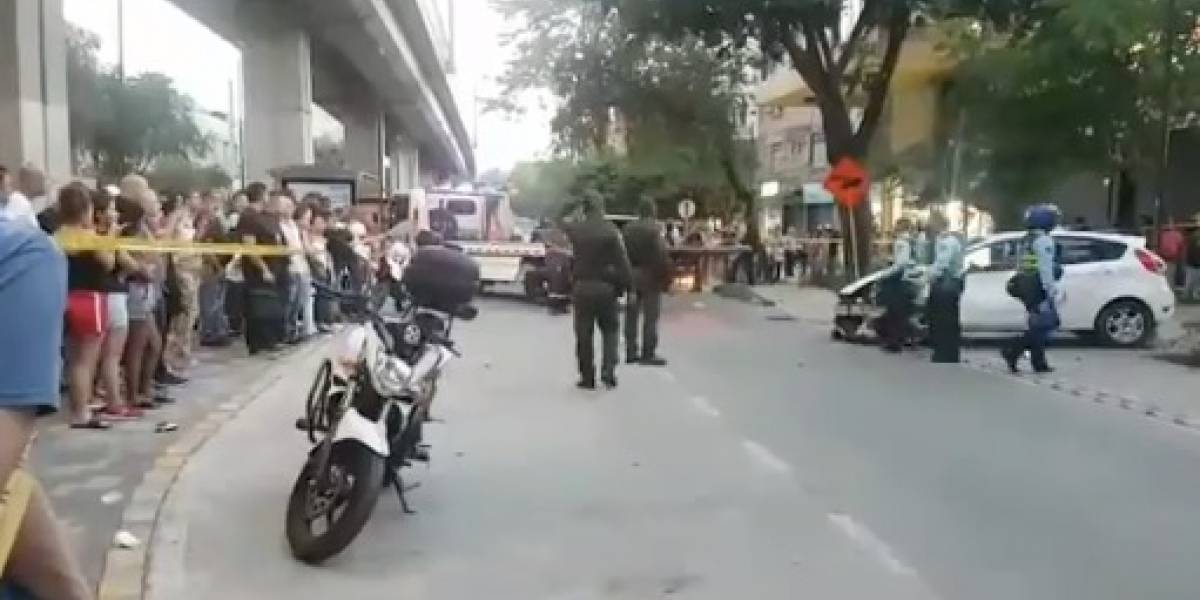 #VIDEO: un carro atropelló intempestivamente a varias personas en Medellín