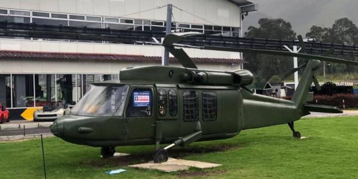 Helicóptero de la Fuerza Aérea cayó a un abismo cerca de Bogotá