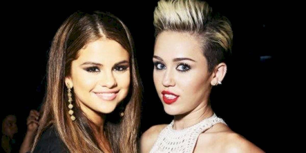 Así se preparan Selena Gomez y Miley Cyrus para la expedición del Área 51