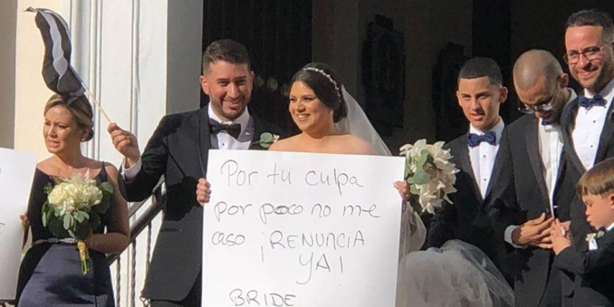Novios exigen la renuncia del gobernador en su boda