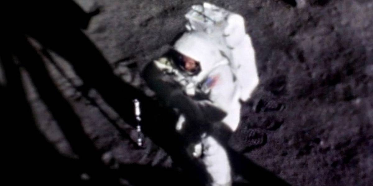 Después de 50 años: la increíble imagen que muestra la cara de Neil Armstrong en la Luna por primera vez