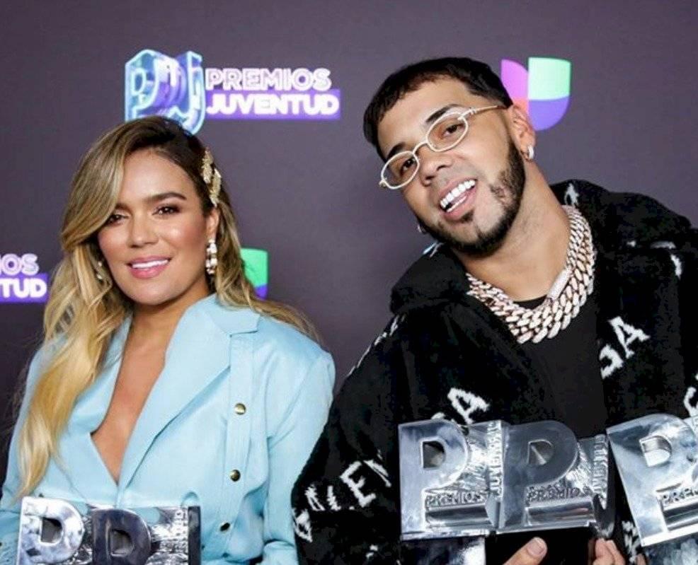 Karol G y Anuel en los Premios Juventud Instagram Premios Juventud