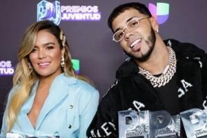 Karol G y Anuel en los Premios Juventud