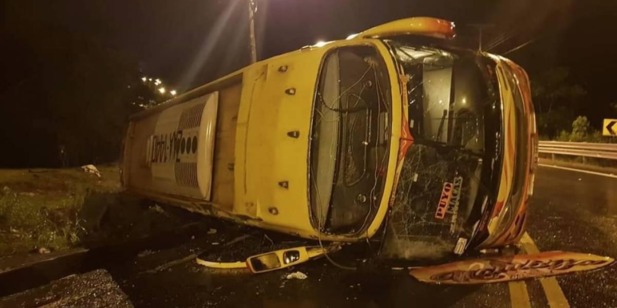 11 heridos dejó un accidente de tránsito en la vía Macas-Sucúa